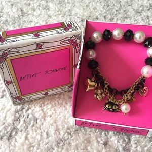 Betsey Johnson Cat Charm Bracelet